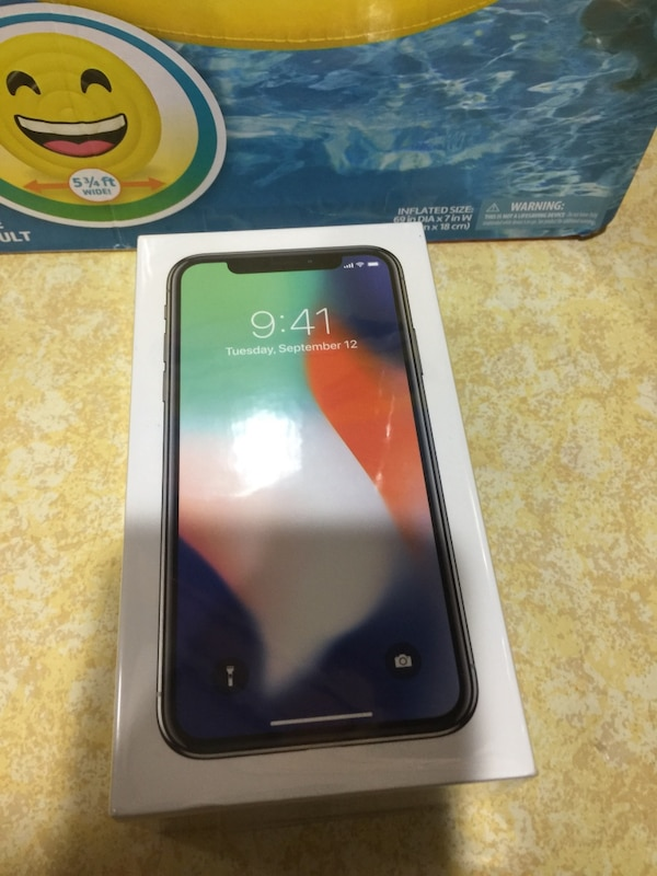 iPhone X256gb silver unlocked any carrier