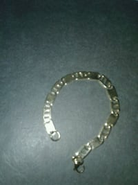silver-colored chain bracelet Mississauga, L5N