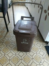 Garbage can Lachute, J8H