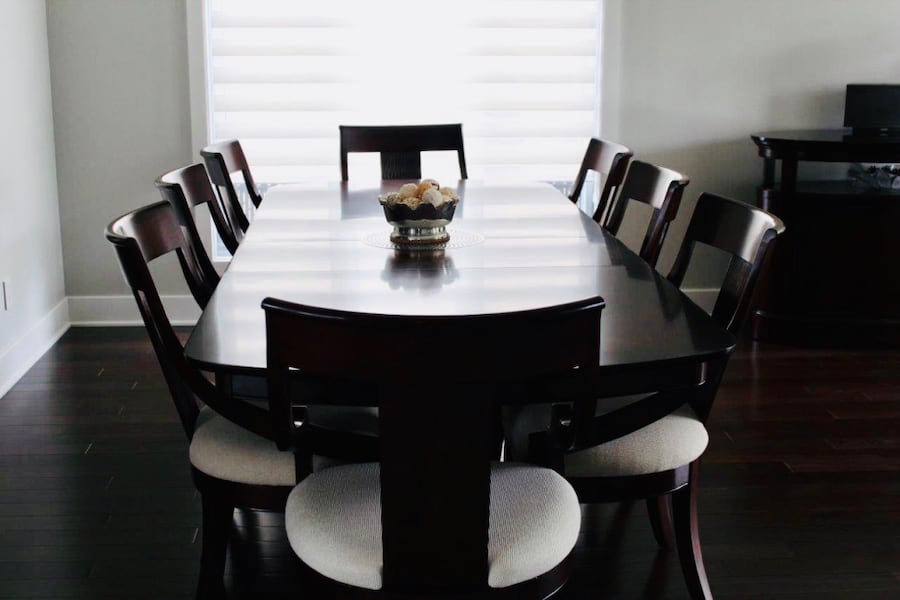 Dining set: table, buffet 8 chairs 78c6d698-9027-4920-a646-dedf00ab57d1