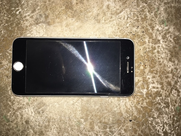 6c6987cb6ab Used iPhone 6 space grey 10 10 16gb for sale in Kingston - letgo