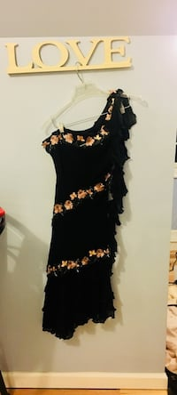Gorgeous Cache Black & Pink asymmetrical Dress (perfect for prom, weddings, other fancy outings) size 8 originally $500 North East, 21901