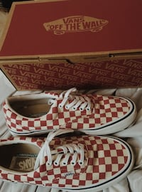 Checkered vans Brantford, N3T 1G9