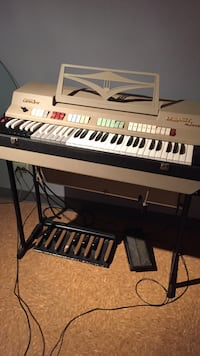 Excellent condition! Farfisa combo compact deluxe Roselle, 60172