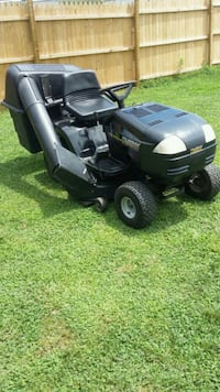 Murray riding lawn mower tractor with bag  Fredericksburg, 22408