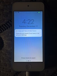 iPod 6 touch beautiful condition new looking only iPod! Haslet, 76052