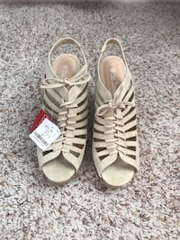 New! Size 8.5 Wedges  Coopertown, 37073