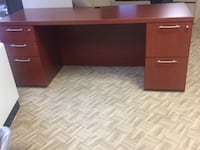 Wooden Desk in Excellent Condition FALLSCHURCH