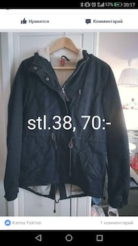 Svart zip-up jacka 6596 km