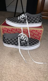 Black and grey checkered vans size 7.5 Charlton, 01507