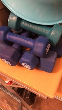 Mixed hand weights 2x 5lbs, 2x 8 lbs & 2x 3lbs Richmond Hill, L4C 0H4