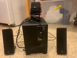 Speakers with woofer