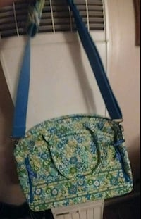 Vera Bradley large bag has shoulder strap.    Murfreesboro, 37130