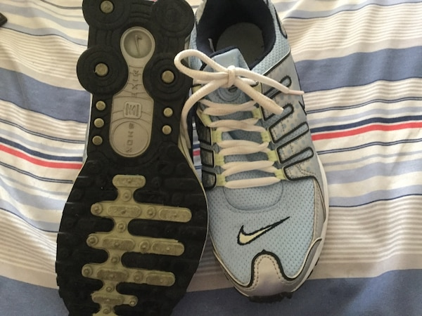 LIKE NEW NIKE SHOCKS c5be9db7-a765-49c2-8204-996e3480d238