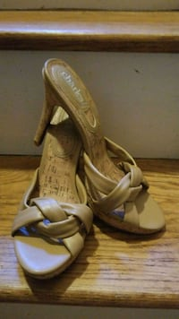 New 8.5Tan leather stilettos Youngstown, 44505