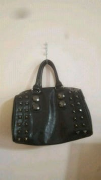 Purse(comes with shoulder strap) Calgary