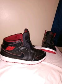 Nike Air Jordan Retro 1's Size 9.5