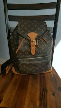 Authentic Louis Vuitton leather backpack Pointe-Claire, H9R 4E1