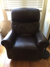 black leather padded sofa chair Oakland, 94601