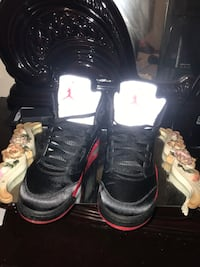 Pair of black air jordan 5 size 9 Yonkers, 10701