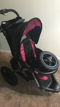 Baby Trend Jogger Stroller W/MP3 Player Attached : Pink And blk ... Smoke Free /Pet Free  Washington, 20018