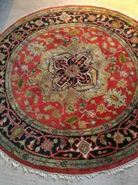 6' round person handmade rug. Great condition! Barrie, L4M 4Y8