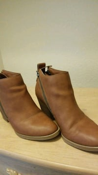 pair of brown leather booties Fresno, 93727