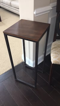 Side accent table Myrtle Beach, 29577