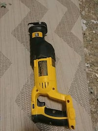 DeWalt reciprocating saw with battery charger