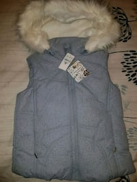 gray and white fur-lined zip-up vest Hamilton, L8V 3A4