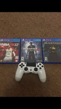 white Sony PS4 console with controller and game cases Avondale, 85392