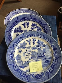 3 Blue Willow Dinner Plates - Great condition Halifax, B3J 3Z2