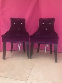Tow small 11'' baby chairs