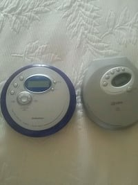 One plastic containers CD player