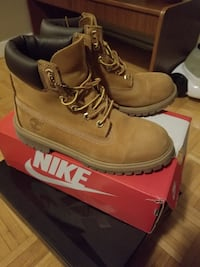 Pair of brown timberland boots Toronto, M3C 1B7