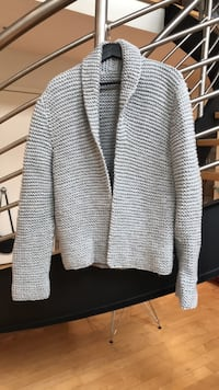 Hand Knitted sweater so comfy Toronto, M6G 2Y5