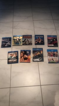 9 blue ray movies, works great and it's in excellent condition. Pick up only $10 for all Brampton, L6P 3T2