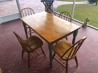 Kitchen table and 4 wood chairs Myrtle Beach, 29588
