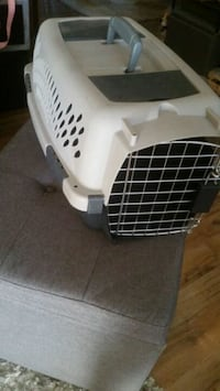Small pet carrier like new Lake Placid, 33852