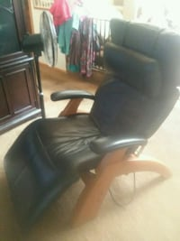 black leather padded rolling armchair Redmond, 98053
