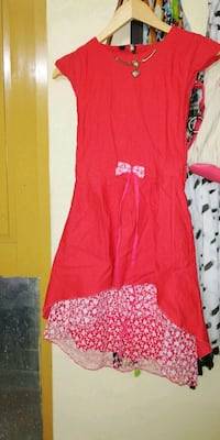 red and white floral sleeveless dress Secunderabad, 500047