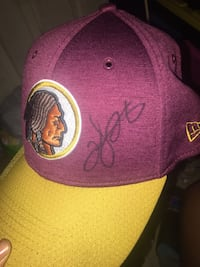 Autographed REDSKINS hat Washington, 20018