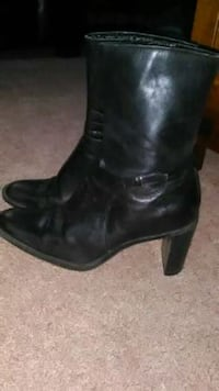 Women's soft leather black boots* size 7