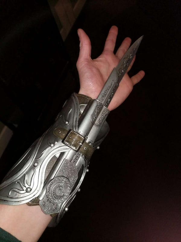 Used Assassin S Creed Hidden Blade And Gauntlet For Sale In Gainesville Letgo