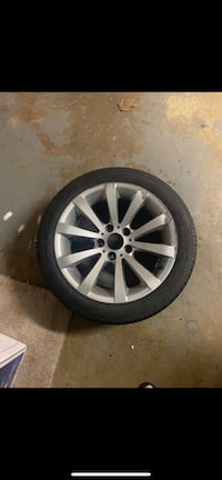 BMW 328i rim and tire