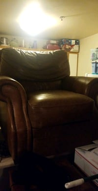Lazyboy brown leather chair  Portland, 97209