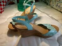 3edbc997cbe8 Used pair of gray-and-brown leather sandals for sale in Columbia - letgo