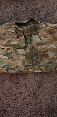 white, green, and brown camouflage shorts Lakewood, 98498
