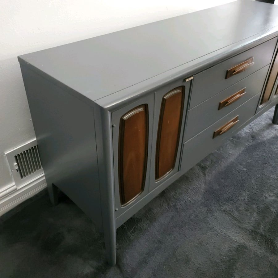 Vintage Emphasis Credenza (local delivery) 8afff30b-9717-42a6-8d5b-78d58107be60