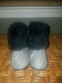 gray-and-black fuzzy boots 139 mi